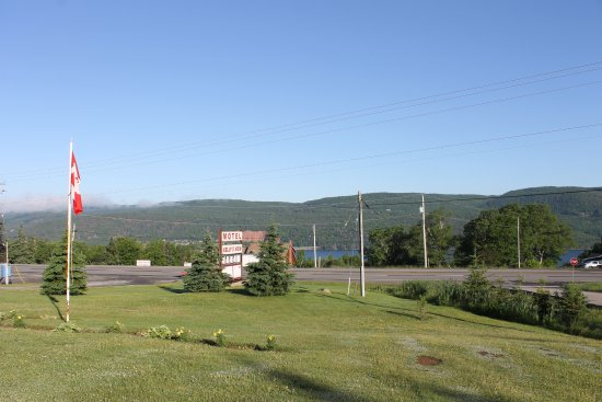 Boularderie, Canadá: A view from outside the door of the motel