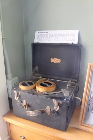 Pacific Railroad Museum: the instructography: a machine used for learning Morse Code