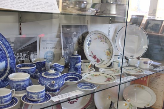Pacific Railroad Museum: some china used for meals on train