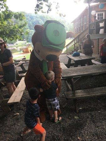 Yogi Bear's Jellystone Park Marion: We loved Yogi and BooBoo