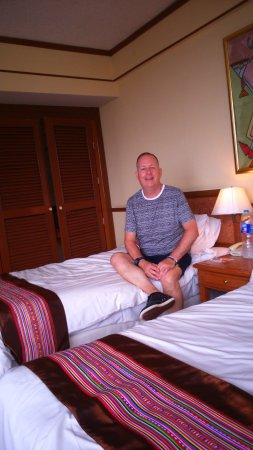 Duangtawan Hotel Chiang Mai: our room