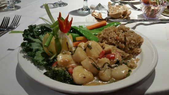 Rutland, VT: Sea Scallop dinner  special.  Spectacular!