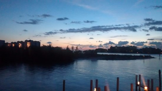 The Boat House Motel: View from the balcony at dusk. So peaceful!
