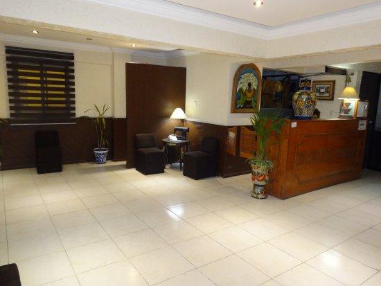 Hotel Murillo Plaza: Recepción