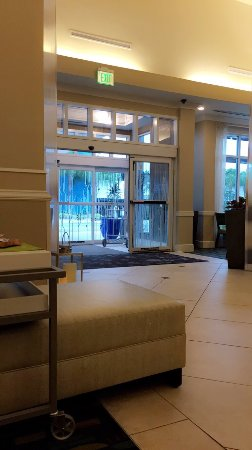 Hilton Garden Inn Tampa Airport Westshore: Lobby is very nice!