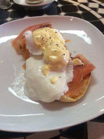 Drouin, Austrália: Well priced Eggs Benedict