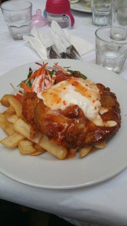 Warburton, Australia: Sweet Chilli Parma