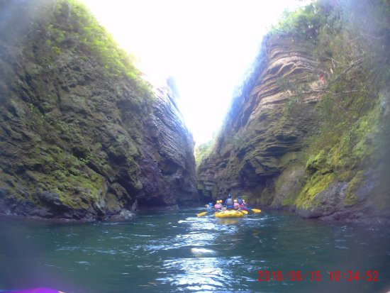 Rivers Fiji - Day Adventures: Rafting the Navua river