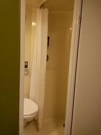 MEININGER Hotel London Hyde Park: 20160709_225837_large.jpg