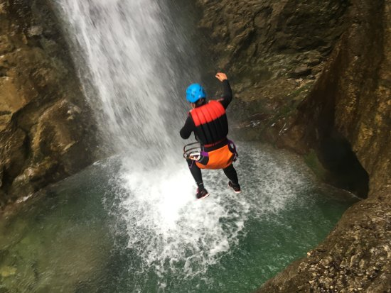 Mmove - by Friends of Arco: canyoning