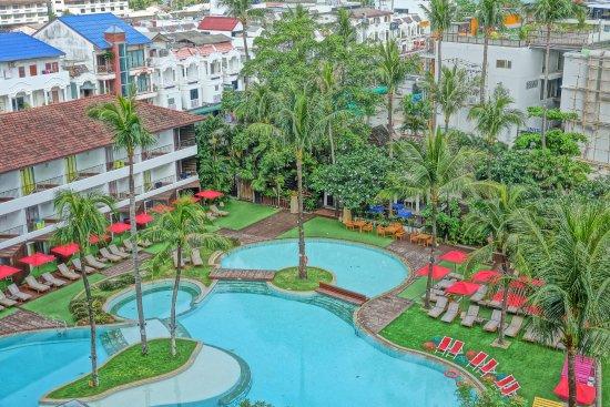 Patong Beach Hotel: A kaleidoscope of beautiful colours.