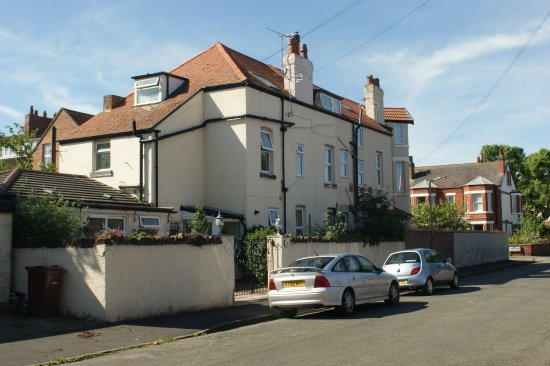 Firkin house bed and breakfast hoylake b b reviews photos tripadvisor for Wirral hotels with swimming pools