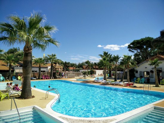 Les Mediterranees   Camping Charlemagne: Beach Club Charlemagne