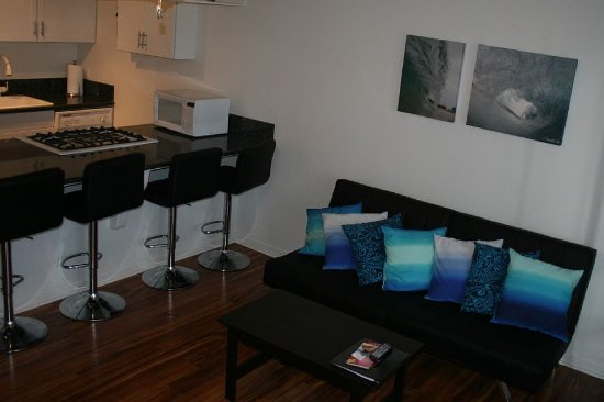 Kaunakakai, HI: A208 Kitchen, Livingroom