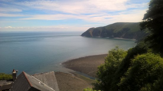 Pine Lodge Guest House: View On the way to Lynton