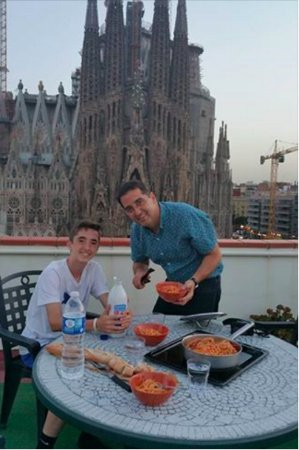 Gaudi's Nest : Rooftop dinner with a view!