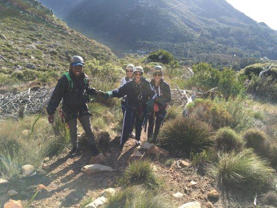 Constantia, Νότια Αφρική: Helping Mom up the path
