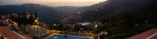 Beit Mery, Libanon: Panoramica al tramonto
