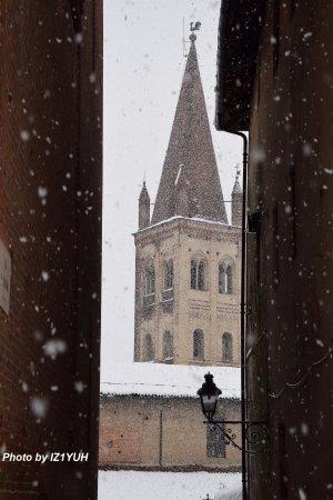 Chiesa San Giovanni: Il caratteristico campanile a punta.
