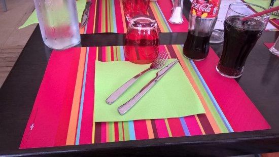 Ornans, Francia: Dressage des tables
