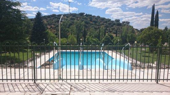Foto de balneario de ledesma ledesma piscina exterior for Hoteles con piscina en san sebastian