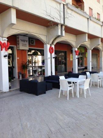WOW Sushi Bar - Temakeria: esterno