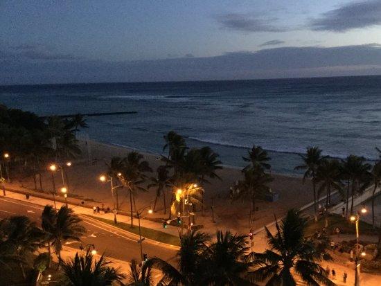 Park Shore Waikiki : Waikiki by night