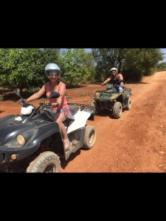 Quad Ventura: One of our stops near the orange trees