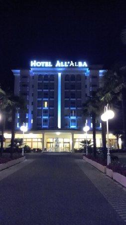 Hotel All'Alba: IMG_20160709_222931_large.jpg
