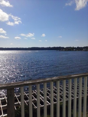 LaPorte, IN: 2nd floor king suite room overlooking the lake