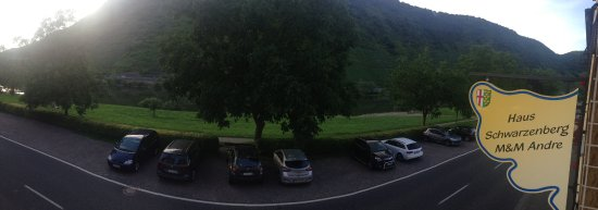 Haus Schwarzenberg: the photo was taken from our room the parking space can be seen as well as the Mosel view