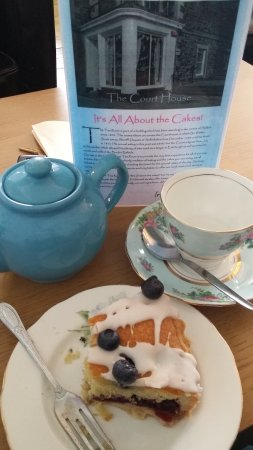 Selkirk, UK: blueberry bakewell and a nice cup of tea