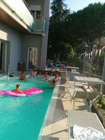 My Hotel Gabicce: Dopo un bel giro in moto tra Romagna & Marche, piscina con idromassaggio è quel che ci vuole!