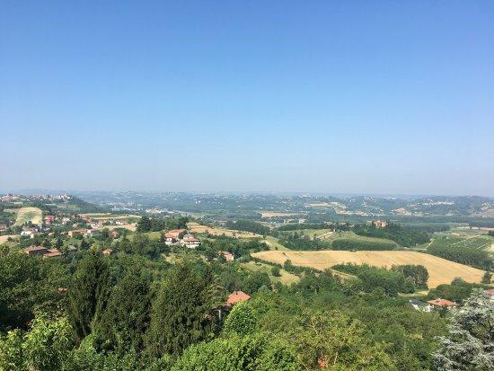 Mongardino, Italia: Vue depuis la chambre au matin