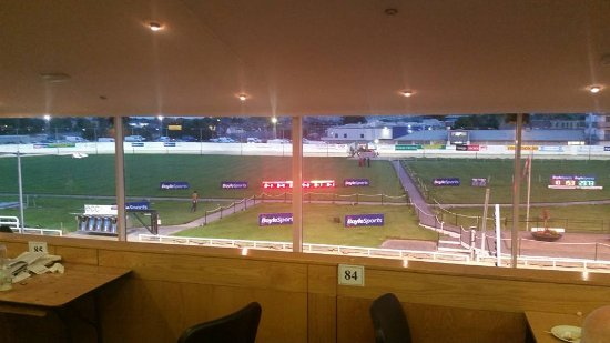 Shelbourne Park Greyhound Stadium : View from grandstand, the whole track can be see