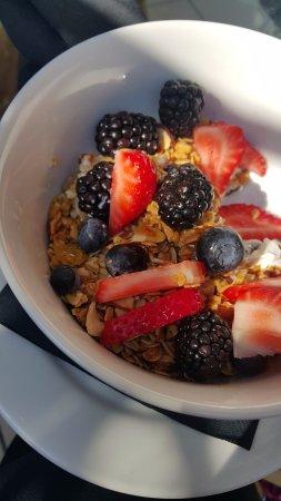 Crescent Hotel Beverly Hills: breakfast