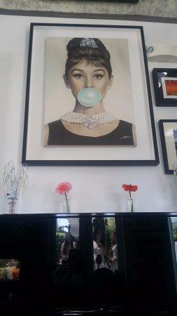 Crescent Hotel Beverly Hills: cafe