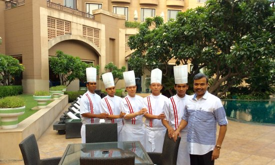 Neung Roi: With the Thai Chef Brigade
