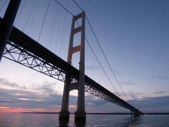 sailing under the big mac bridge picture of sip n sail cruises