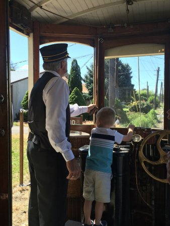 Yakima, WA: Helping the Conductor!