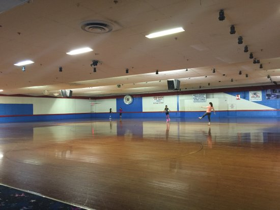 Wooden Rink Review Of Kendall Park Roller Skating Kendall Park - Roller skating rink flooring for sale