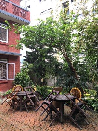 Kathmandu Garden House: The lovely garden today.