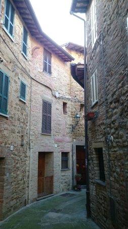 """Ripa, إيطاليا: Portone d'entrata della """"Terrazza fio.Rita"""""""