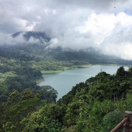 Four On Drupadi: Trip to the north to the lakes, temple near the lake Unesco rice fields, photos from the gallery