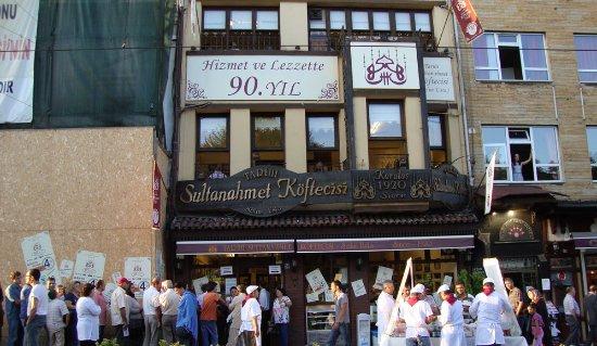 Sultanahmet Koftecisi: front view