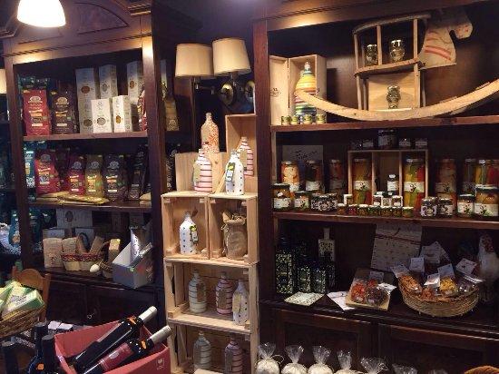 Ristorante da Paolino: L'altro... arte e sapore: per acquistare alcune delle specialità provate e tante altre ancora