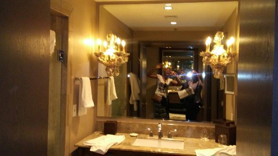 The Bohemian Hotel Savannah Riverfront, Autograph Collection : The bathroom at The Bohemian...amazing!
