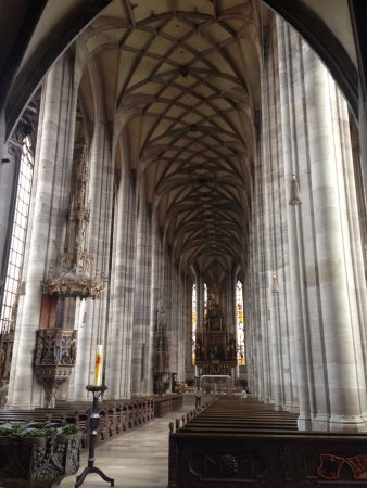 Münster St. Georg: Dentro da igreja