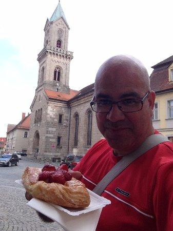 Münster St. Georg: Pastelzinho doce com morango