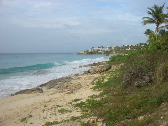 The Walk to Viceroy - Picture of Barnes Bay Beach ...
